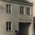 nowo wybudowany i oddany do urzytku dom strażaka.1965r..jpeg