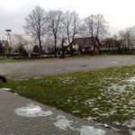 Nawierzchnia obecnego boiska przy Zespole Szkolno-Przedszkolnym w Wiślicy.jpeg