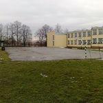Obecne boisko przy Zespole Szkolno-Przedszkonym.jpeg